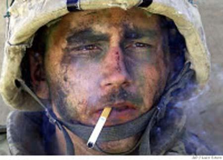 στρατιώτης τσιγάρα